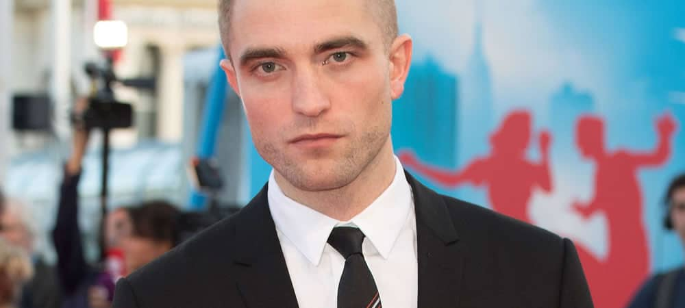 Robert Pattinson's New Hairstyle Embraces The 'Moon Patch'